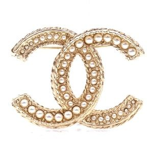 Gold Rare Cc Pearls Textured  Pin Charm